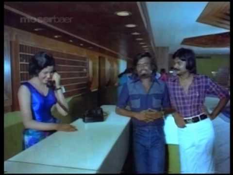 Comedy Scenes - Ninaithale Inikkum - Kamal Haasan & Rajnikanth