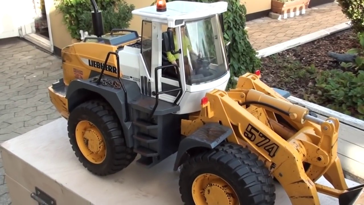 RC Loader Liebherr 574 Bruder Review by 75echo