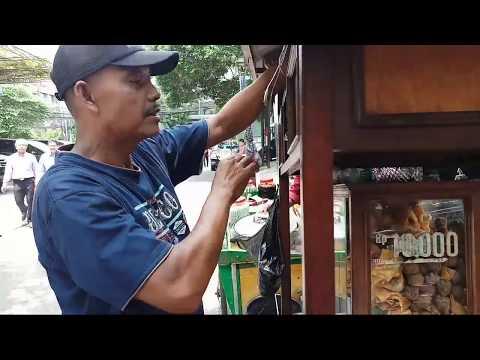 BAKWAN MALANG 10RB DAPETNYA LENGKAP!!! INDONESIAN STREET FOOD