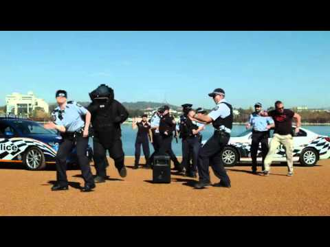 Australian cops dance for 'Running Man Challenge'