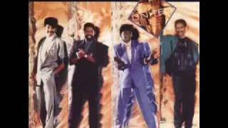 Watch Commodores United In Love video