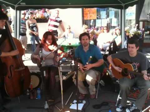 Modern Traditional Irish Music Brog In Carlingford Mov Youtube