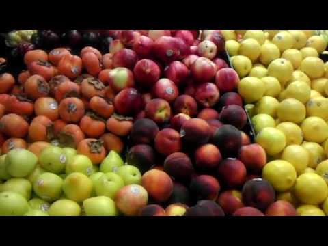 Fruits Apples Pomegranate Plums Sweet Lemons Pears Los Angeles Produce Market.