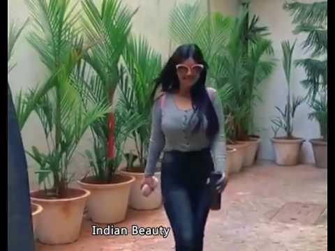 Ayesha Takia Hot Sexy Tight Dress thumbnail