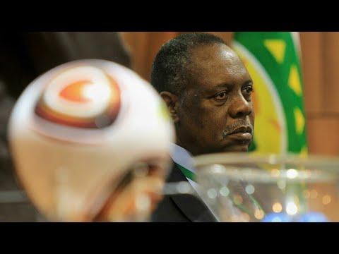 توقيف رئيس الاتحاد الإفريقي السابق عيسى حياتو عن ممارسة أي نشاط يرتبط بكرة القدم لمدة عام  - نشر قبل 24 ساعة