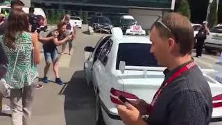 Сам Даниэль прокатился на Ростовской копии Такси из одноименного фильма   Это Ро