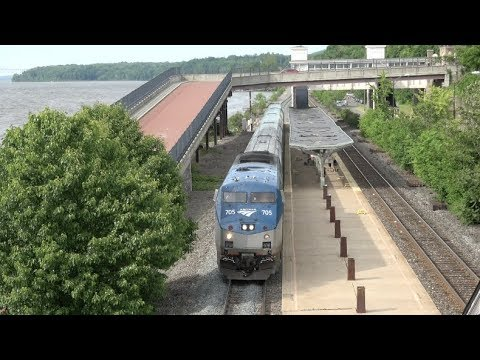 Amtrak - Rhinecliff - Trains Arrive From Both Directions