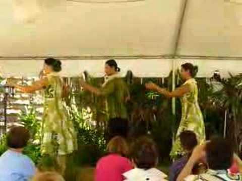 Hula Auana at Bishop Museum, Hawaii