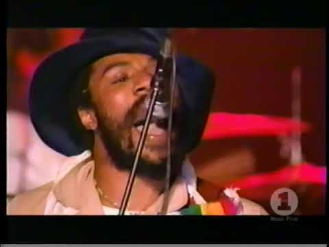 The Roots and Cody Chesnutt - The Seed 2.0 (Live on VH1)
