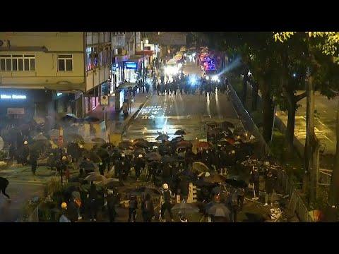 Pequim acusa Londres de tomar partido dos manifestantes