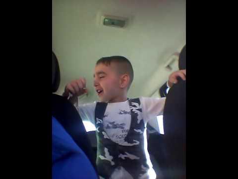 Il piccolo che canta Franco Ricciardi Capisc a me....