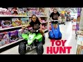 Toy Hunt At Toys R Us Shopkins Season 6 - Monster High - Barbie - Minecraft Toy Opening