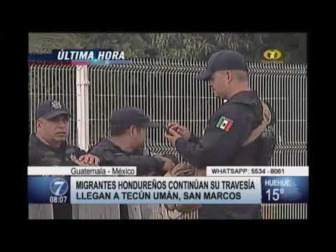 Migrantes hondureños llegan a la frontera Tecún Umán