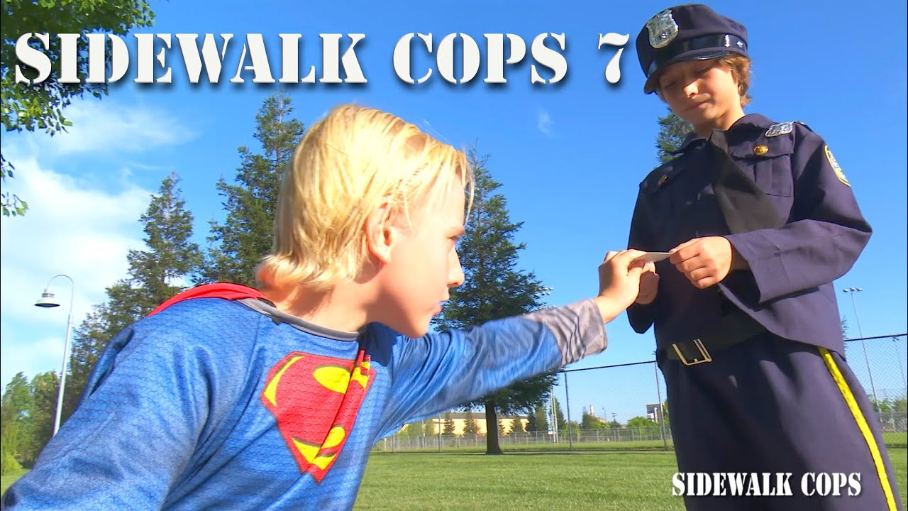 Download Sidewalk Cops Episode 7 - Superman Flying And Texting!
