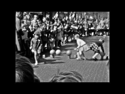 Koninginnedag in Bergen - 1963 - Koos Koet sr.
