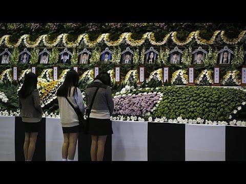 Ansan High School the focus of South Korean ferry disaster