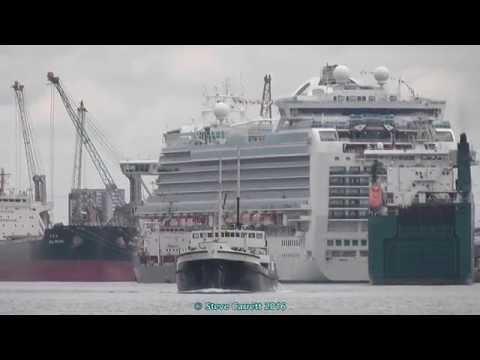 Steamship Shieldhall moving between berths Southampton 18th June 2016