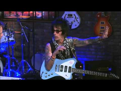 Interview With Earl Slick - Guitarist for David Bowie & John Lennon