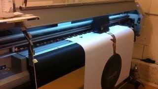 видео Широкоформатная печать плакатов