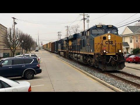 Longest Street Running Train In The World! DPU Power Mid Train!