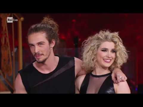 Il Valzer di Giaro Giarratana e Lucrezia Lando - Ballando con le Stelle 05/05/2018