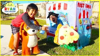 Ryan's Drive Thru Pretend Play with Pizza and Ride On Cars!!!