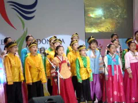 [2011 KOREA-INDONESIA WEEK] Korean Kids Choir - Burung Kakatua