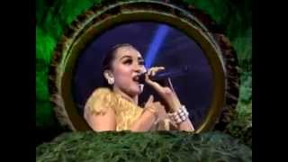 Download lagu New palapa Mawar di Tangan Melati di Pelukan