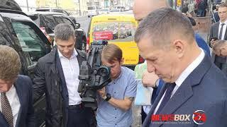 O'zbekiston respublikasi Prezidenti Muxtor elchisi yo'llar ta'mirlash uchun Vladivostok davlat meri reprimanded