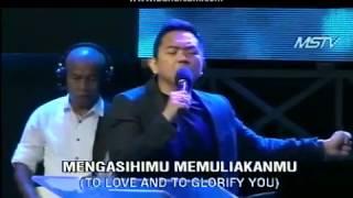 Download Kaulah Segalanya - Worship by Sidney Mohede (JPCC Worship) di GMS Surabaya