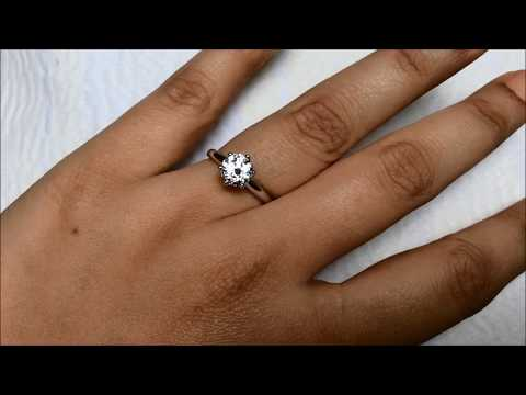 GIA Certified 1 carat Classic & Simple Solitaire Engagement Ring from Bangkok, Thailand