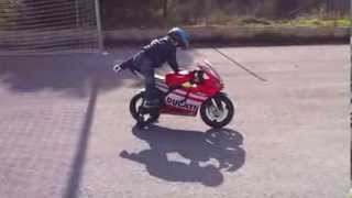 видео Детский мотоцикл Peg-Perego DUCATI GP Rossi