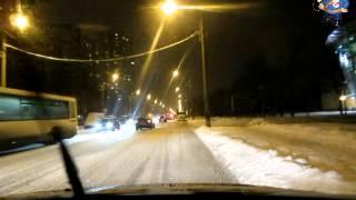 Правильное торможение автомобиля зимой(Правильное торможение автомобиля зимой Купить методику Автонакат Вы можете у нашего партнёра - WWW.DMITRYBALAGUROV.C..., 2012-12-19T21:39:27.000Z)