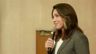 Tulsi Gabbard Speaks to Standing Room Only Crowd in San Francisco