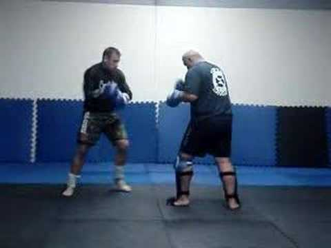 Mark Hunt and Steve Oliver sparring