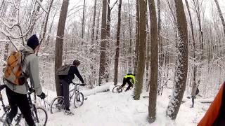 Кросс-кантри на велосипеде зимой!(Парни собрались покататься по кросс-кантрийной трассе на великах в первые зимние дни, когда подморозило,..., 2013-12-23T16:36:12.000Z)