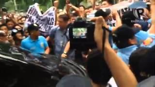 Iglesia members block reported De Lima vehicle