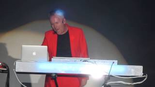 HOWARD JONES - WHAT IS LOVE - RETRO FUTURA TOUR @ BEST BUY THEATER NYC 8-21-14