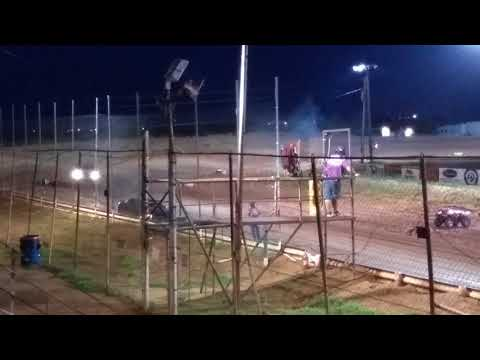 Most unbelievable spectator race ever. Abilene Speedway 6/16/18 part 1