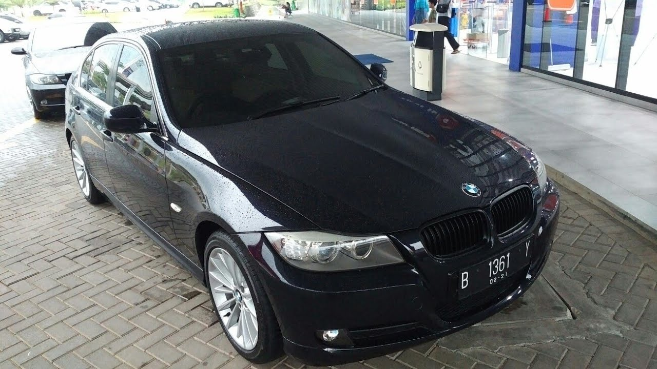 in depth tour bmw 320i executive e90 lci 2011. Black Bedroom Furniture Sets. Home Design Ideas