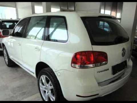 Volkswagen Touareg 2005-white for sale in Qatar
