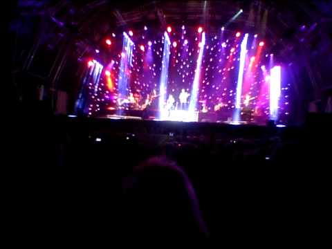 Cliff Richard (with Hank Marvin) - Summer Holiday - Live @ Sandalford Estate,Feb 23, 2013