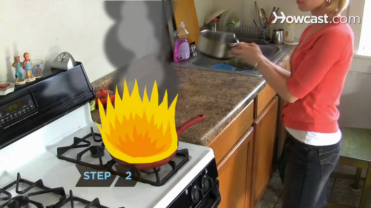 How To Put Out A Grease Fire Youtube