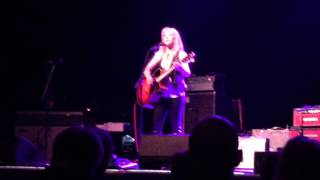 Watch Liz Phair HWC video