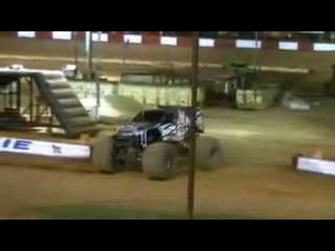 2012 Dixie Speedway Fall Monster Truck Nationals Dia 2; Freestyle: Caçador de recompensas