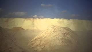 قناة السويس الجديدة: مشهد عام للحفر وتلال الرمال وأماكن العمال  نوفمبر2014