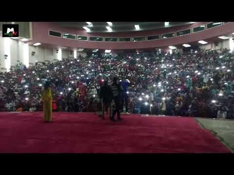 Ado gwanja asha rawa-rawa live concert