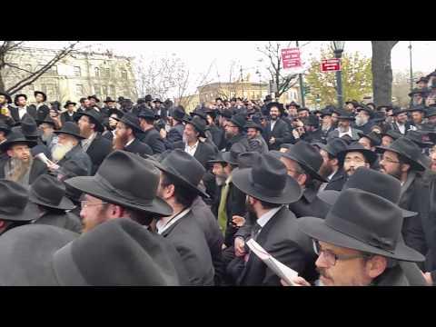 World's Largest Selfie. 2000 Chabad Rabbis
