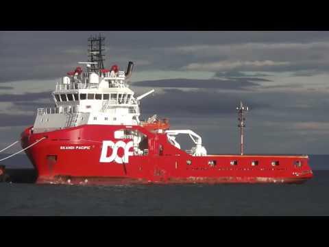 Rompe hielos Skandi Pacific muelle Prat Punta Arenas - Chile