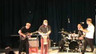 Moshav Band sings Eliyahu Hanavi Moshav @ Kutshers Nachamu 2010